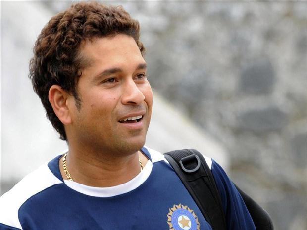 100th century will bring 100 Gold Coins to Sachin Tendulkar