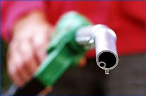 Petrol Price likely to be hiked by Rs 1 from January