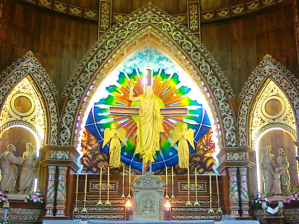 malayattoor-church-altar-photo