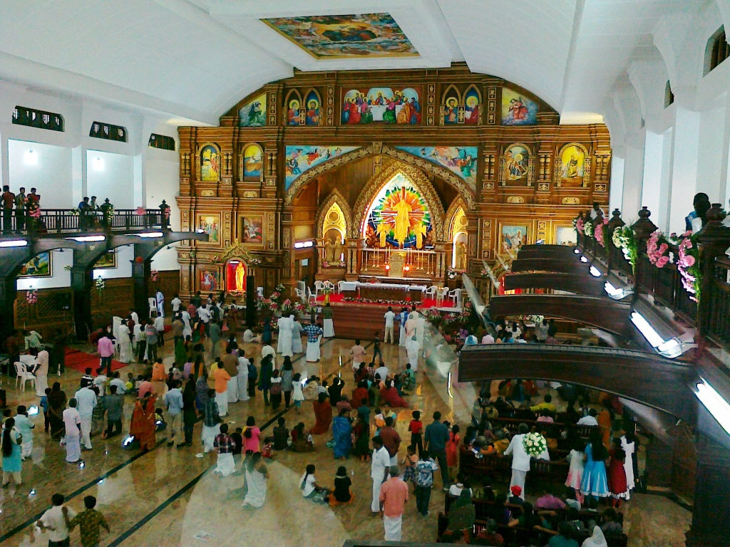 malayattoor-church-balcony-view
