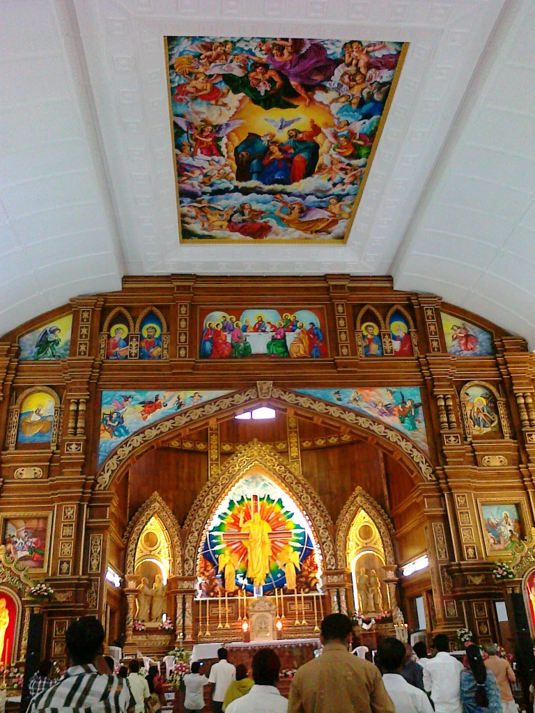 malayattoor-church-interior-decorations