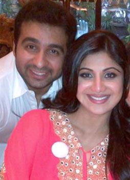 shipa-shetty-and-husband-photo